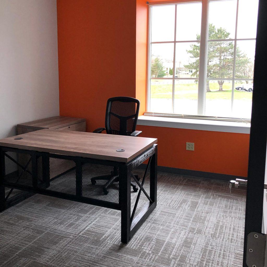 Hallwayz office with window
